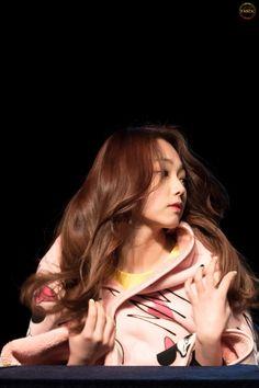 Kang Mina ~ i. Kpop Girl Groups, Korean Girl Groups, Kpop Girls, Extended Play, Kim Chungha, Kwon Mina, Butterfly Wallpaper Iphone, Sun And Clouds, Korean Aesthetic
