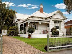 Timber edwardian house exterior with balcony & landscaped garden - House Facade photo 202707