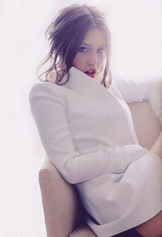 Adèle Exarchopoulos for Elle Japan (January 2014)