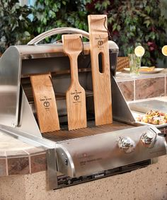 The Ultimate BBQ Cleaning Tool Woody