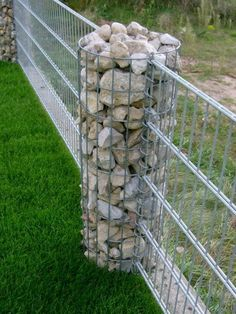 4 Self-Reliant Clever Tips: Long Fence Landscaping living fence florida. Gabion Fence, Gabion Wall, Fence Planters, Concrete Fence, Pallet Fence, Bamboo Fence, Cedar Fence, Fence Landscaping, Backyard Fences