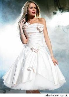 Romantic wedding dress by Alan Hannah - StyleList
