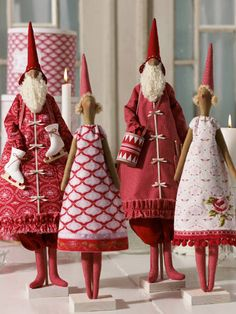 Holiday Decorations: Mr & Mrs Santa Claus <3