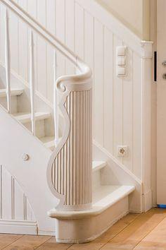 beadboard.de Treppenverkleidung, Wandverkleidung an Treppe, Wandpaneele Holz Treppe