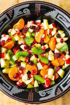 fruit salad 12 healthy fruit salad recipes for all occasions, for breakfast and side dishes, yummy, hello summer! Honey lime rainbow fruit salad Mandarine orange spinach salad with chicken Winter Fruit Salad, Best Fruit Salad, Fruit Salad Recipes, Fruit Fruit, Autumn Fruit Salad Recipe, Thanksgiving Fruit Salad, Fruit Party, Fruit Cakes, Best Fruits