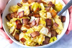 How to make crave-worthy fried cabbage with bacon and garlic. Simple, quick, and delicious! Jump to the Bacon Fried Cabbage Recipe or read on to see Recipes Using Bacon, Paleo Recipes, Yummy Recipes, Recipies, Chou Napa, Bacon Fried Cabbage, Easy Carrot Cake, Bacon Fries, Bacon