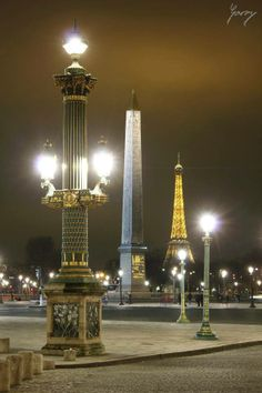 Night in #Paris