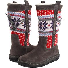 Clarks stranded knitting boots....I really REALLY  want these!!