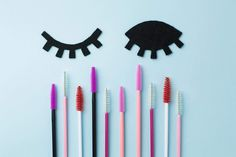 Ohrringe Der Frauen - Make up. Applying False Lashes, Applying Eye Makeup, Lash Quotes, Spa Quotes, Blue Eye Makeup, Makeup Eyes, Eyelash Sets, Fake Eyelashes, Eyelashes Makeup
