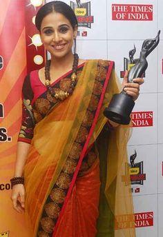 Vidya Balan at award ceremony with Sabyasachi Saree