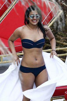 Priyanka Chopra - By the pool in Miami on May 12