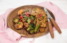 Groenten en kip uit de oven in sojasaus-marinade Dutch Recipes, Asian Recipes, Cooking Recipes, Healthy Recipes, Ethnic Recipes, A Food, Food And Drink, Go For It, Snap Peas