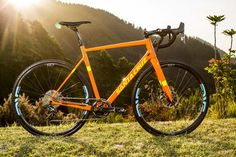 The Stigmata cyclocross bike returns after a seven-year absence from the Santa Cruz line, this time in full carbon with disc brakes and internally routed cables.