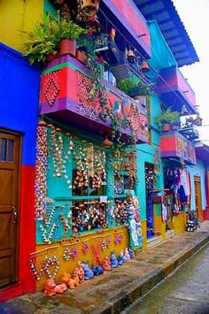 Colourful house in Raquira, Colombia Places Around The World, The Places Youll Go, Travel Around The World, Places To Go, Around The Worlds, Colombia South America, South America Travel, Colombian Culture, Uruguay