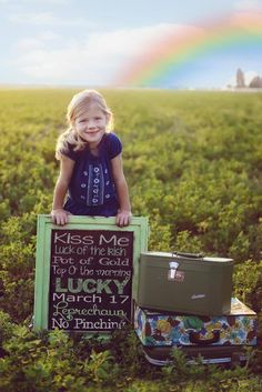 Kids Styled Spring Session - St Patty's Day - Spring Flowers - Family Photography - Props www.ricketyswak.com Vintage Photo Props Spring St Patrick's Day sessi…