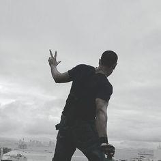 #notopo #nasalturas #timetoclimb #voador #vendodecima #altura#amoaltura #lugaresaltos #cidade #cidadenaopara #risco#debemcomavida #behappy #aventura #adrenalina #emoção by jooj_voador