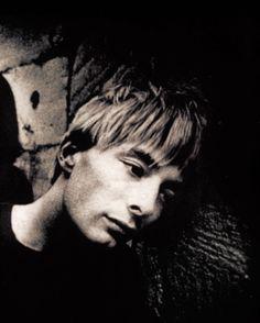 Thom Yorke - Radiohead - Gloucester, aug. 1994 - By Kevin Cummins