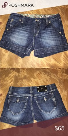 Miss Me Jean shorts Miss Me jean shorts. Two back pockets with buttons and two front pockets! Perfect dark/light shade Miss Me Shorts Jean Shorts