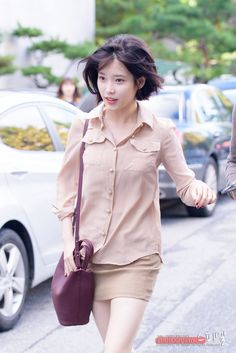 Asian Hair Bob, Korean Short Hair, Korean Girl, Asian Girl, Iu Fashion, Korean Fashion, Korean Beauty, Asian Beauty, Korean Bangs Hairstyle