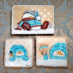 Life with true friends is really better! #fun #winter #friends #snowman #knitting #cold #royalicing #royalicingart #edibleart #thecookielab #glace #glasa #bolachasdecoradas #bolachasartesanais #biscoitosdecorados #galletasdecoradas #sugardecoratedcookies #sugarcookies #sugart #cookielovers