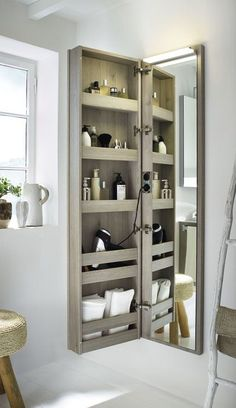 Small Bathroom Storage 601300987735358251 - ★★★★★ Bathroom Storage Hacks And Solutions Want your bathroom to feel better, brighter and bigger? This awesome bathroom storage ideas will do that for you. Read this out. Source by Small Bathroom Storage, Small Bathroom Cabinets, Organization For Small Bathroom, Diy Storage Mirror, Bathroom Makeup Storage, Bathroom Storage Solutions, Bad Inspiration, Storage Hacks, Beauty Storage Ideas
