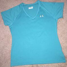 Women's Under Armour shirt Iike new Under Armour Tops Tank Tops
