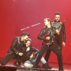 "Shane Filan India Fan Club di Instagram ""SHNICKY!💕😍🔥 .  Credit to Emer @/itzeemzx on Twitter. . . . . #WESTLIFE #BetterMan  #Westlife20Years #WestlifeTwenty #20YearsOfWestlife…"" Bryan Mcfadden, Nicky Byrne, Shane Filan, Uk Charts, Irish Eyes Are Smiling, R Man, My Boys, My Dream, The Twenties"
