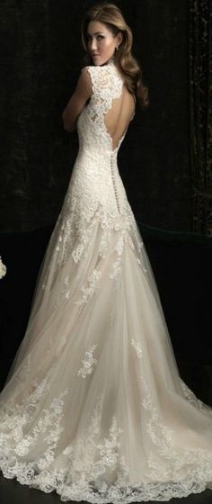 Apart from the ceremony the wedding dress has to be the next most important part of the wedding service. Here are some wedding dresses that have caught my eye.