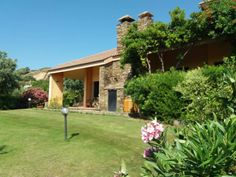 #SouthSardiniaCoastAccommodationPula: villa Fiametta, is 9.7 km from Nora Archaeological Site, offers free parking, air conditioning, balcony...