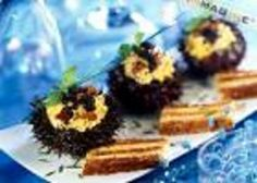 Cooking Scrambled eggs with sea-urchin and caviar