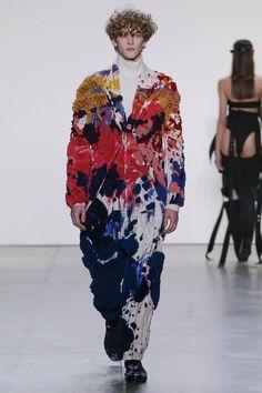 Parsons MFA Spring 2018 Ready-to-Wear Fashion Show Collection: See the complete Parsons MFA Spring 2018 Ready-to-Wear collection. Look 29 Fashion Week, Fashion 2017, New York Fashion, 90s Fashion, Runway Fashion, Fashion Art, High Fashion, Fashion Dresses, Fashion Tips