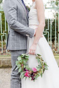 Hoop Bouquets: A Beautiful Bouquet Alternative. Brides And Bridesmaids, Bridesmaid Bouquet, Wedding Bouquets, Floral Wedding, Wedding Flowers, Bouquet Images, Alternative Bouquet, Alternative Wedding, Wedding Officiant
