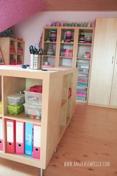 Angela Sewrella: lovely sewing room...  If only I had enough space to do this..... I'd be in Heaven and never leave this room!!!! :)
