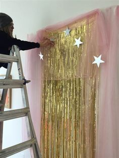 64 budget friendly photo booth backdrop ideas and tutorials how to create a diy new years eve photo booth solutioingenieria Images
