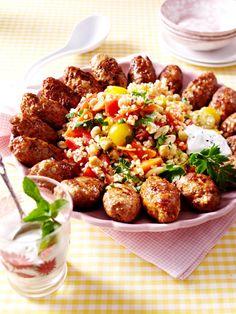 Orientalischer Bulgursalat mit Köfte für mich mit falafel oder vegetarischen burgern