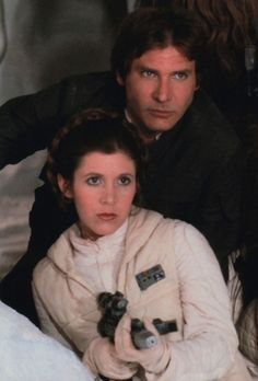 Han Solo and Princess/General Leia Organa (Harrison Ford and Carrie Fisher). Star Wars Rebels, Han Star Wars, Star Wars Art, Star Trek, Leila Star Wars, Star Wars Brasil, Chasseur De Primes, Star Wars Personajes, Han And Leia