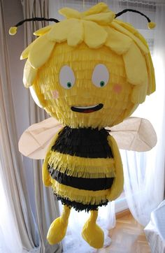 Piñata Abeja Maya Handmade