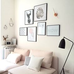 Aún no os había enseñado bien mis nuevas fundas rosas de Ikea 😍 Me encanta como quedan, le dan un montón de luz al salón! Y... Como me encanta la combinación de rosa+madera+verde (y como soy un culo inquieto, para qué nos vamos a engañar 🙈) pues he decidido colocar encima del sofá los cuadros de Urban botanic de las hojas que os enseñé unas fotos más atrás... Qué os parece el cambio? 😜 #home #roomdecor #home #deco #homedeco #homedecor #homedesign #homestyling #interior #interiordesign…
