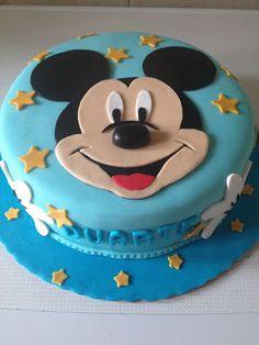 Petiscos da Sofia: Bolo de aniversário - Mickey Bolo Do Mickey Mouse, Mickey Cakes, Mickey Mouse Birthday Cake, Party Time, First Birthdays, Cake Decorating, Cookies, Desserts, Cupcake