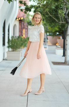 Pink pleated skirt with lace top via @treatstrends