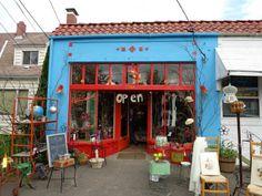PATTI SMITH vintage shop in Portland,Oregon