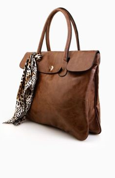 I want this briefcase/tote bag for work.