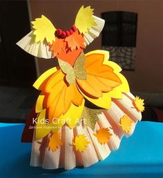 Image may contain: flower Spring Crafts For Kids, Crafts For Kids To Make, Fall Crafts, Projects For Kids, Kids Crafts, Diy And Crafts, Arts And Crafts, Paper Crafts, Classroom Welcome