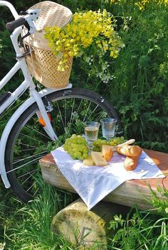 Anna - our picnic should look like this. Shame none of us can really ride there :)
