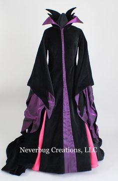 Items similar to Maleficent Costume (Animated Version) on Etsy Malificent Costume, Maleficent Costume Kids, Disney Villain Costumes, Movie Halloween Costumes, Diy Costumes, Maleficent Makeup, Disney Maleficent, Witch Costumes, Halloween Dress
