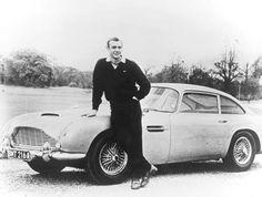 Daniel Craig - Drove the Aston Martin DBS in the Bond movie 'Quantum of Solace' . Pierce Brosnan – Owns an Aston Martin Vanquish. Aston Martin Dbs, Sean Connery, James Bond Auto, James Bond Movies, Smart Auto, Pierce Brosnan, Roger Moore, 007 Contra Goldfinger, Dream Garage