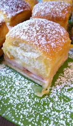 Monte Cristo Party Sliders ~ When the puff dough is incorporated with flavourful ham and gooey cheese one just can't stay aside!