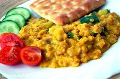 Z červené čočky můžete udělat polévku, karbanátky, můžete ji použít na zahutění. Další možností jsou tzv. dhály. Luštěninové eintopfy inspirované indickou kuchyní.