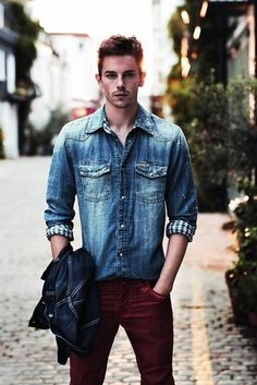 I really dislike the cuffs and the wash of this particular denim shirt, but a denim shirt with maroon jeans is a really nice look.