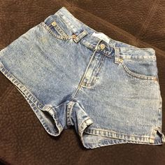 Gap denim high waisted shorts size 0 Like brand new, excellent condition GAP Jeans
